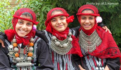 بنات بالزي التقليدي التعزي | جبل صبر
